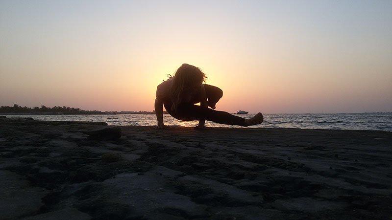 Abu Dhabi Yoga Trainer Leila Knight - Beach Yoga 2