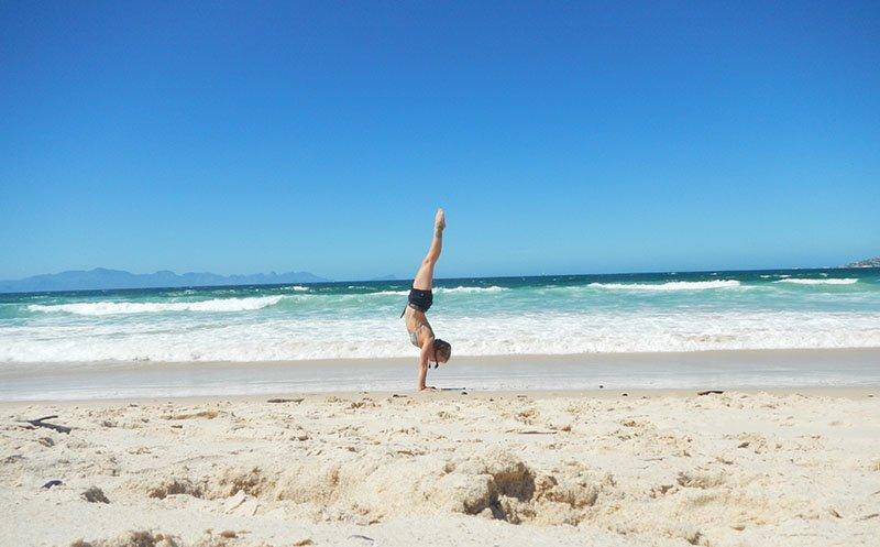 Abu Dhabi Yoga Trainer Leila Knight - Beach Yoga 6