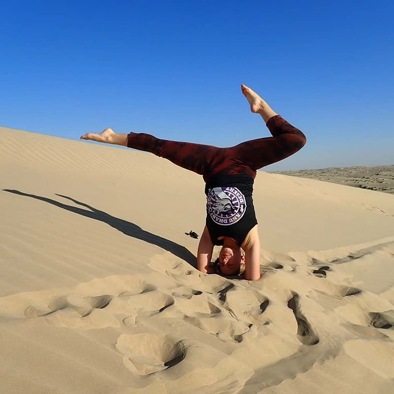 Abu Dhabi Yoga Trainer Leila Knight - Desert Yoga 1