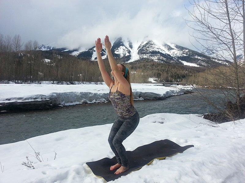 Abu Dhabi Yoga Trainer Leila Knight - Snow Yoga 5