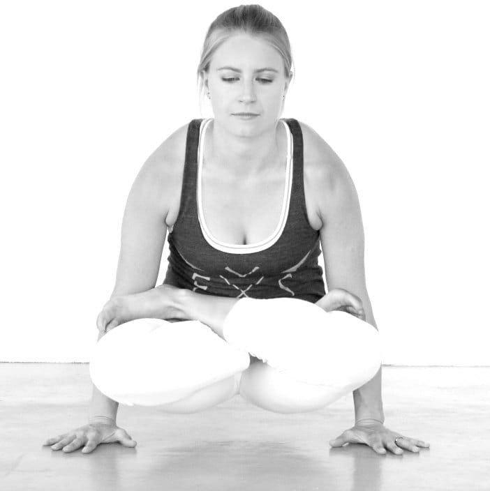 Leila Knight - Abu Dhabi Yoga Expert Trainer - Yoga Pose