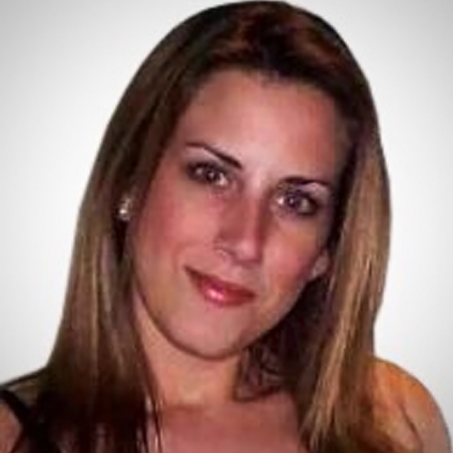 Nicole Robertson - Female Personal Trainer & Nutrition Consultant In Abu Dhabi