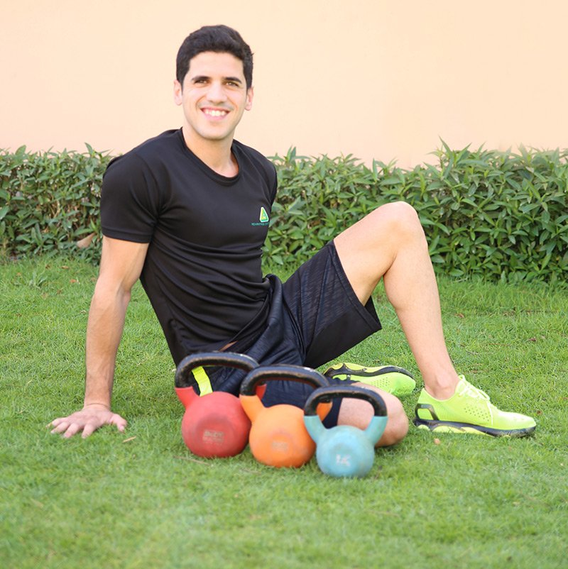 Private tennis coach and personal trainer in Dubai Thiago Erbiste