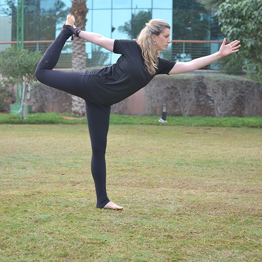 Yoga Personal Training In Abu Dhabi - Qualified Yoga Trainer Hollie - pose 2
