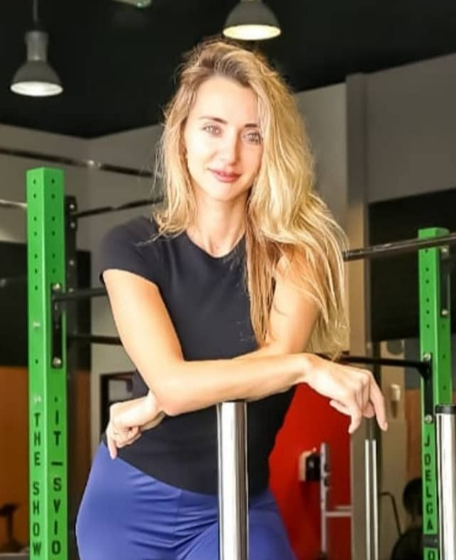 Dubai Female Personal Trainer For At Home Training – Viktoria