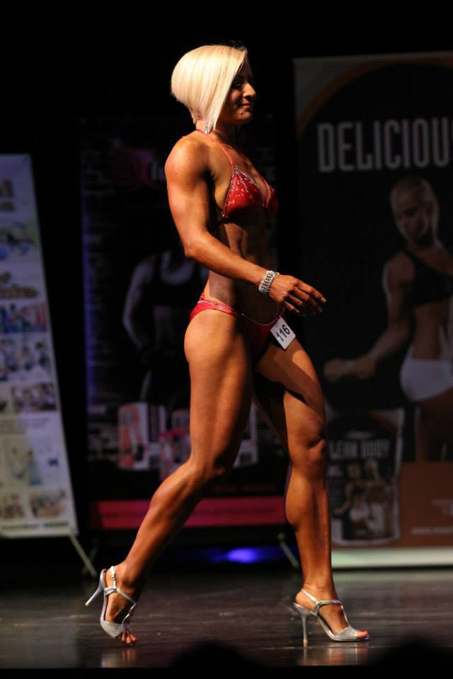 UAE Personal Trainer Robyn - competition physique
