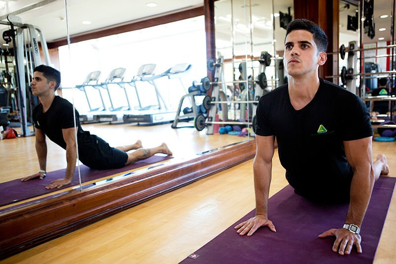 dynamic stretching - pilates in Abu Dhabi with PT tiago