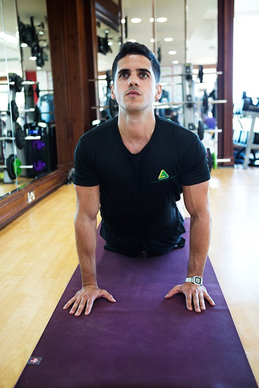 Mat pilates classes in the UAE with Tiago - PT from Abu Dhabi