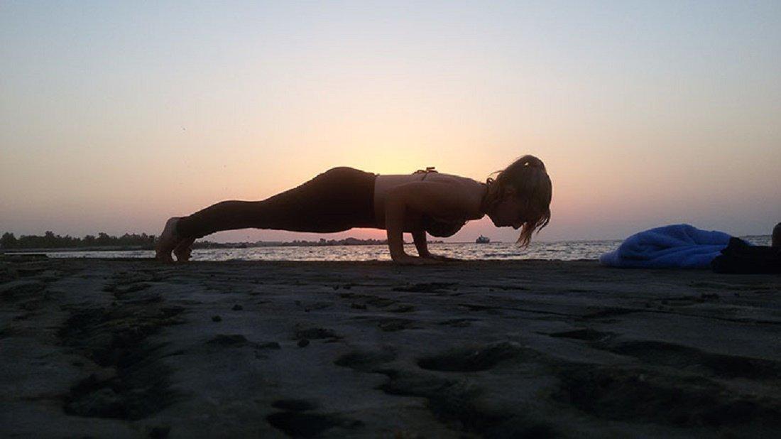 Abu Dhabi Yoga Trainer Leila Knight - Beach Yoga 5