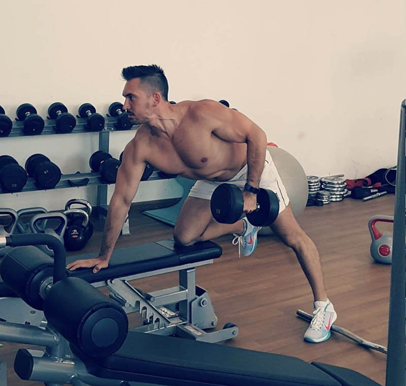Abu Dhabi Personal Trainer Andrey - Dumbell Row Arm Training