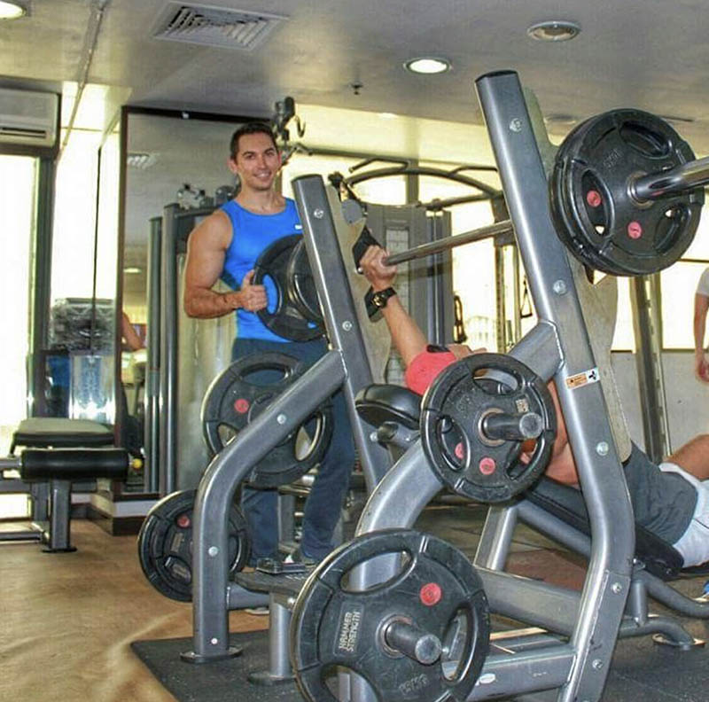 Abu Dhabi Personal Trainer Andrey - Weight Machine Training