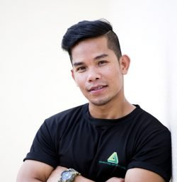 Thai Boxing and boxing coach personal trainer in Abu Dhabi - Richard