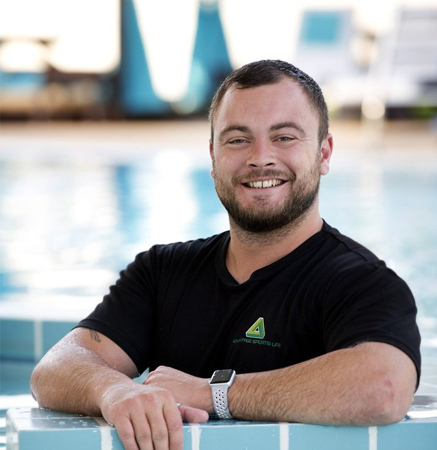 Male Swimming Coach & Trainer In Abu Dhabi – Will Walker