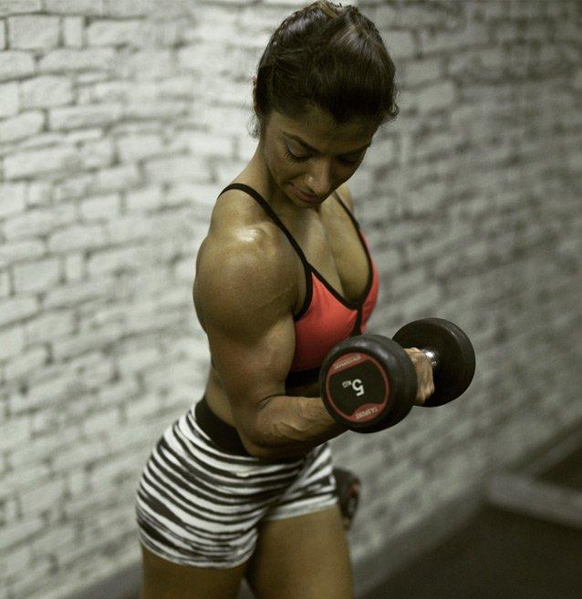Female Dubai Body Toning & Strength Personal Trainer – Shiblin