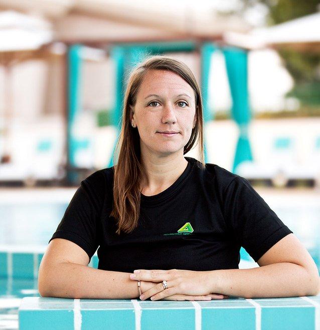 Abu Dhabi Swimming Teacher For Adults & Kids – Emma