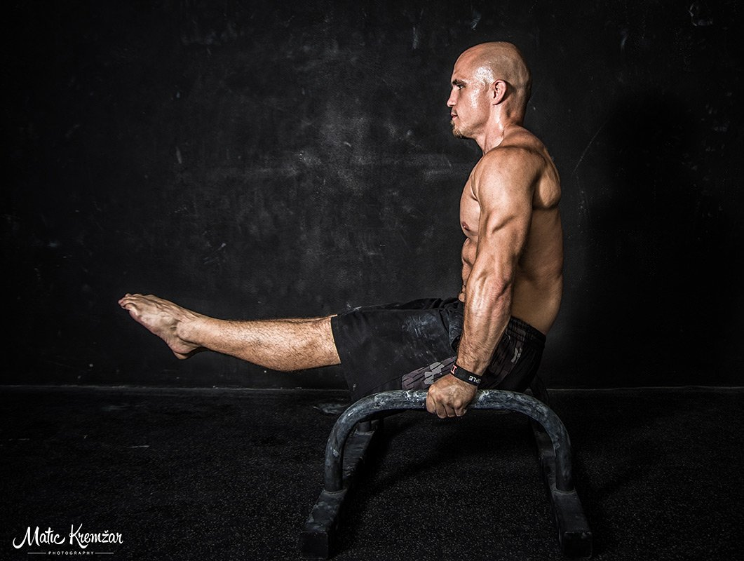 Body sculpting exercises with personal trainer in abu dhabi jure
