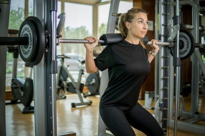 Abu Dhabi PT Fabiola - Barbell Weight Training Example Workouts