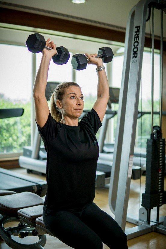 Abu Dhabi PT Fabiola - Dumbbell Training Shoulder Workouts