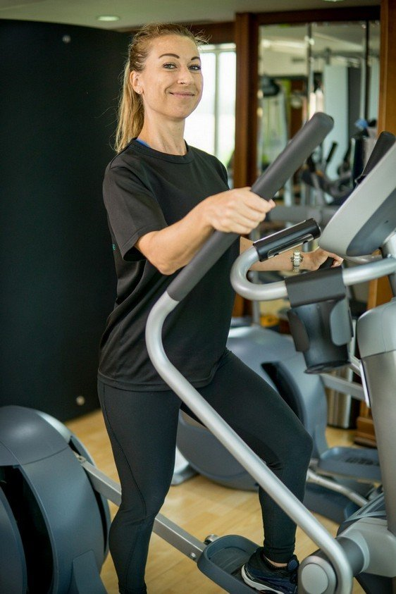 Abu Dhabi PT Fabiola - Step Trainer Exercise Example