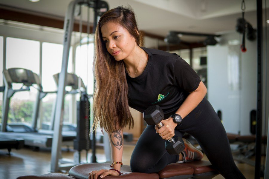 Malou - Female PT in Abu Dhabi - Dumbell workouts