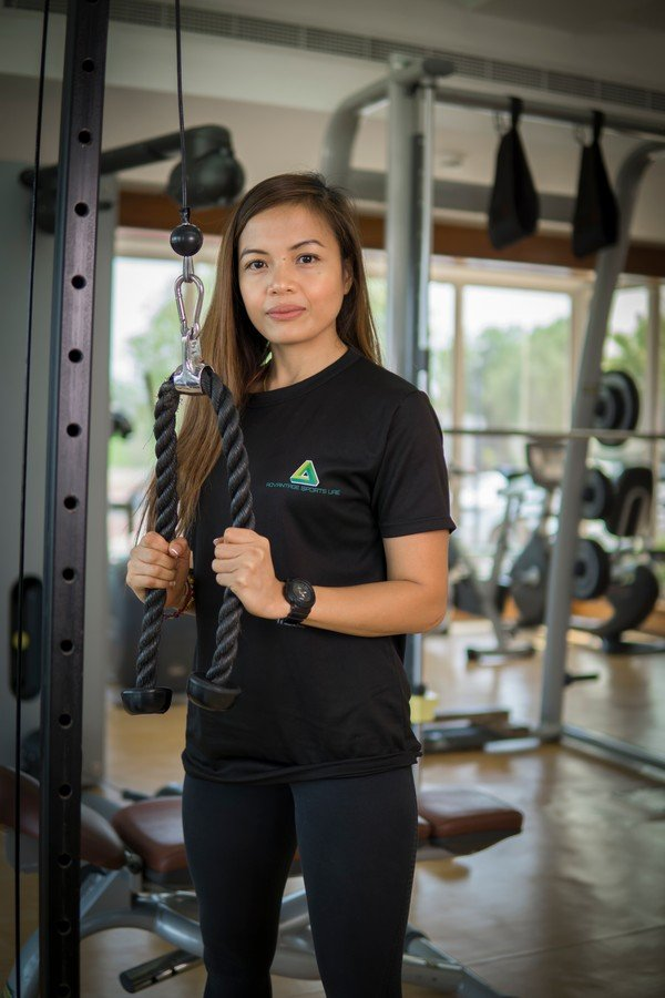 Malou - Female PT in Abu Dhabi - Lat pull down workouts
