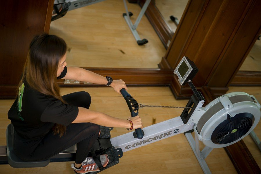 Malou - Female PT in Abu Dhabi - rowing machin workouts