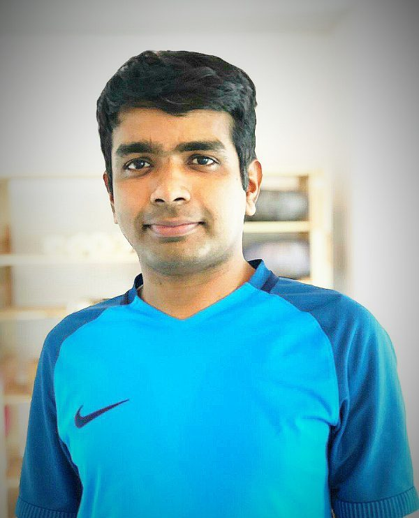 Private Yoga Lessons In Dubai – Yoga Teacher Rohithaksha