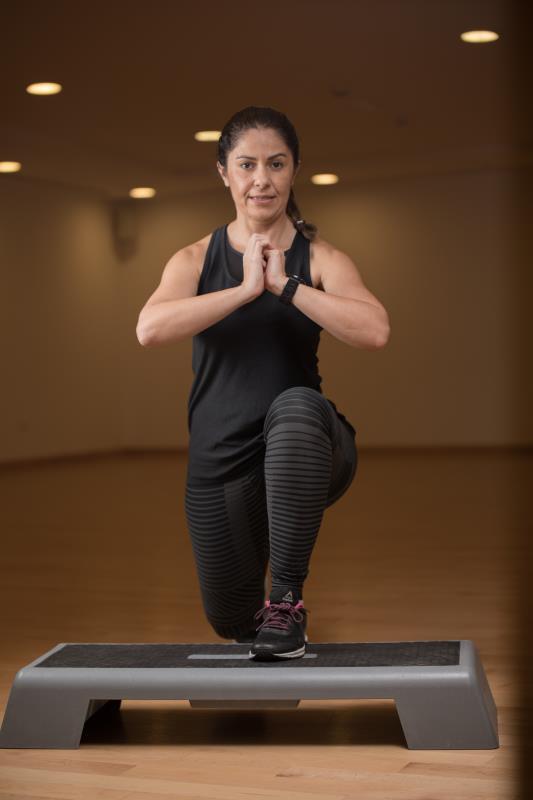 female personal trainer & fitness coach in Abu Dhabi UAE Step Exercises - Fernanda
