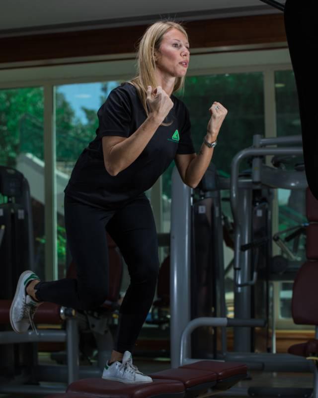Abu Dhabi Female PT - Chiara - Free weight training