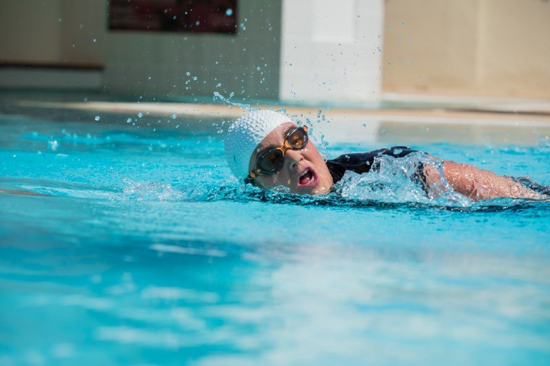 at home swimming lessons in Abu Dhabi with Beverley