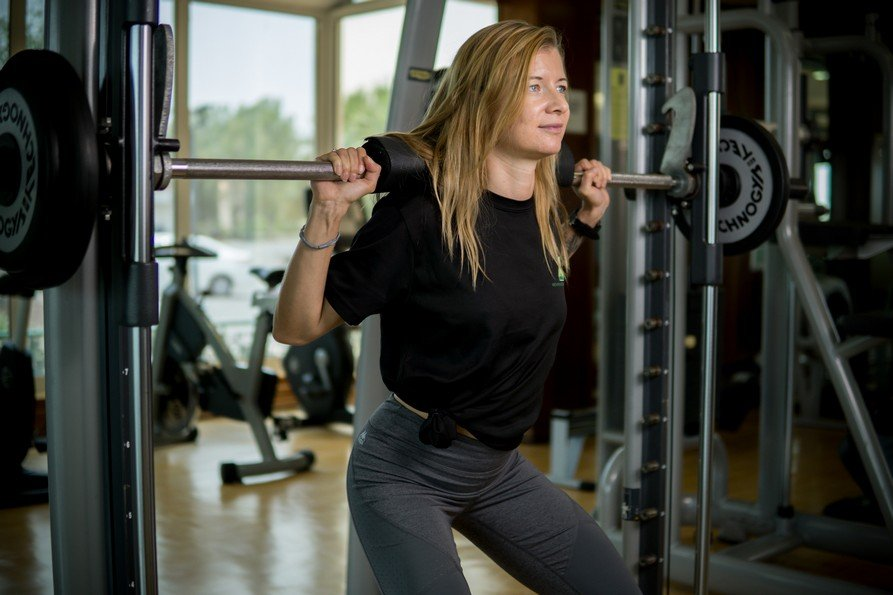 Abu Dhabi Female Yoga Teacher Veronika - Weight Training Exercises