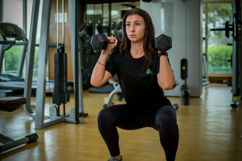 Vanessa - Abu Dhabi Trainer Working Out With Dumbbells 3