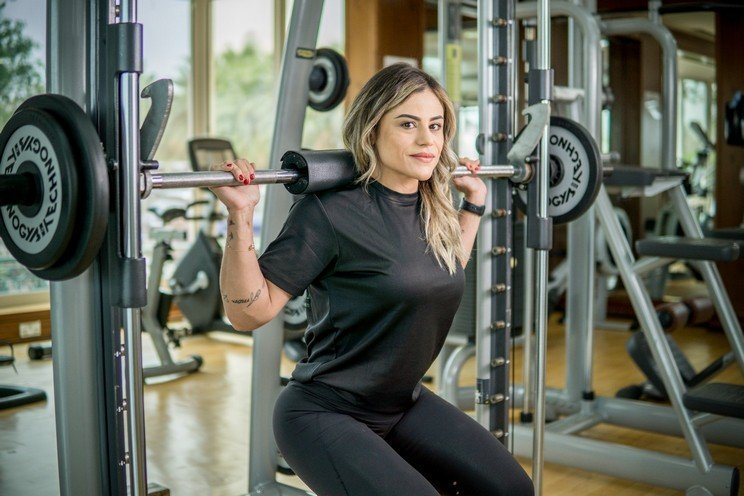 Abu Dhabi Female PT Pollyana - Female Weightlifting For Fitness 2