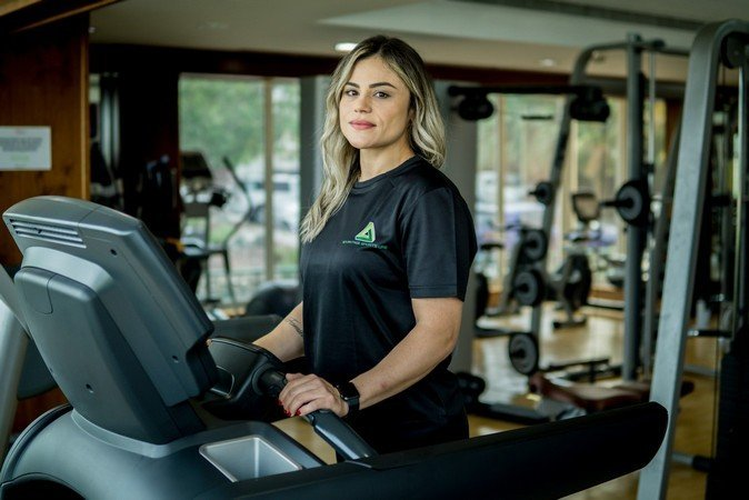 Abu Dhabi Female PT Pollyana - Training On Treadmill