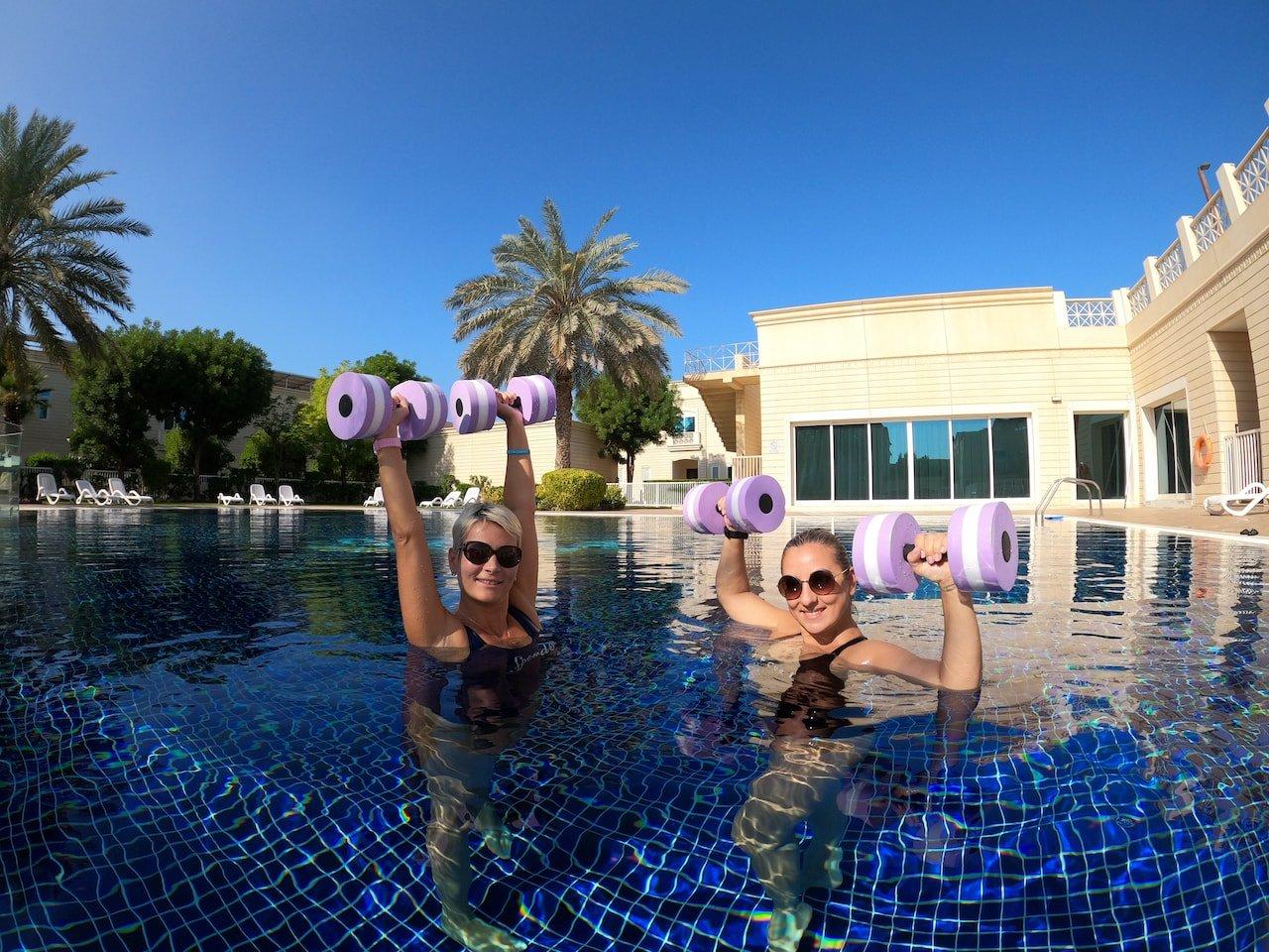 adult swimming classes in dubai with alisa