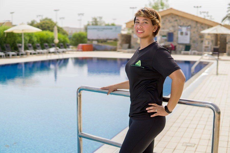 Female swimming coach in the UAE - Everlyn