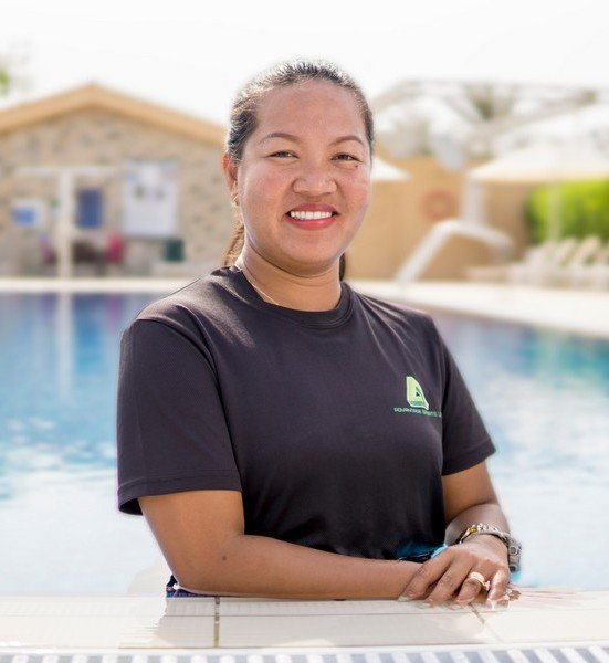 Swimming Coach in Abu Dhabi For Adults & Kids – Sherry
