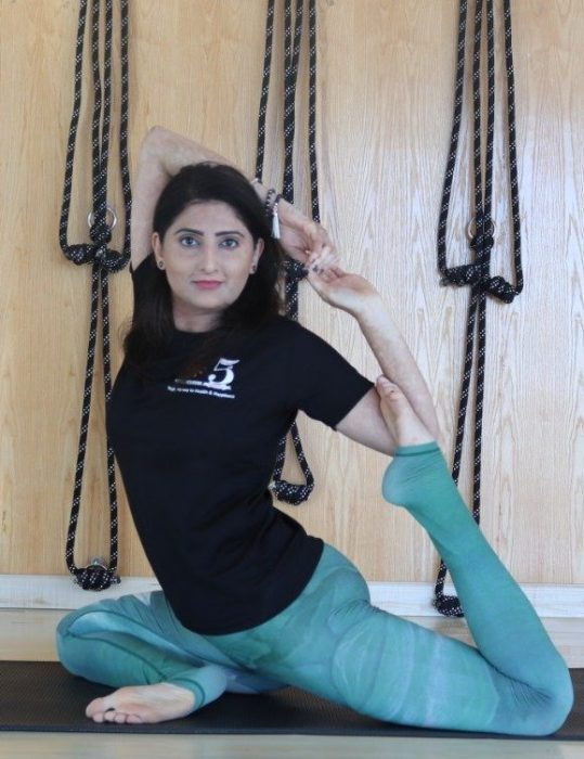 Yoga, Meditation & Tai Chi Coach In Dubai – Poonam
