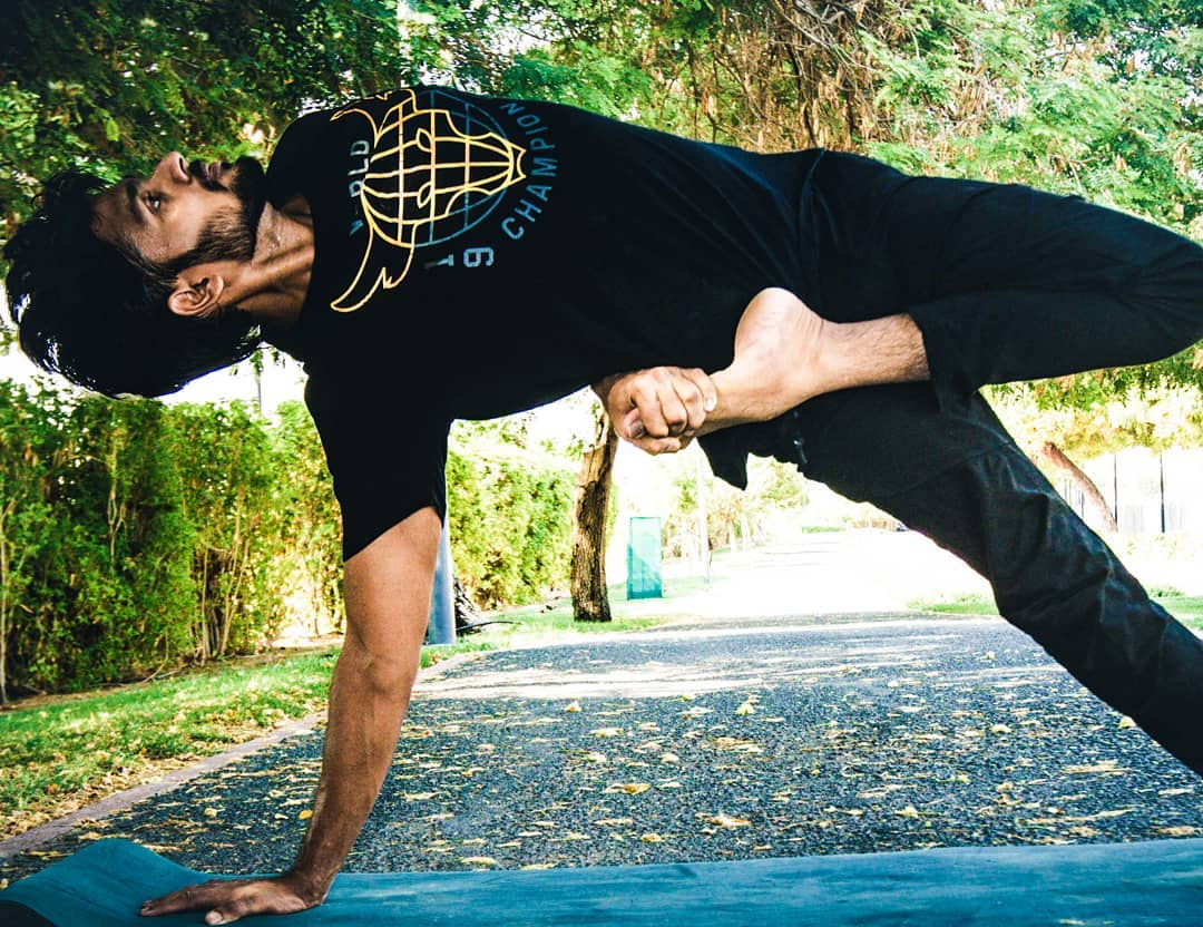 Yoga Coach In Dubai - Manu - Yoga For Beginners and Advanced