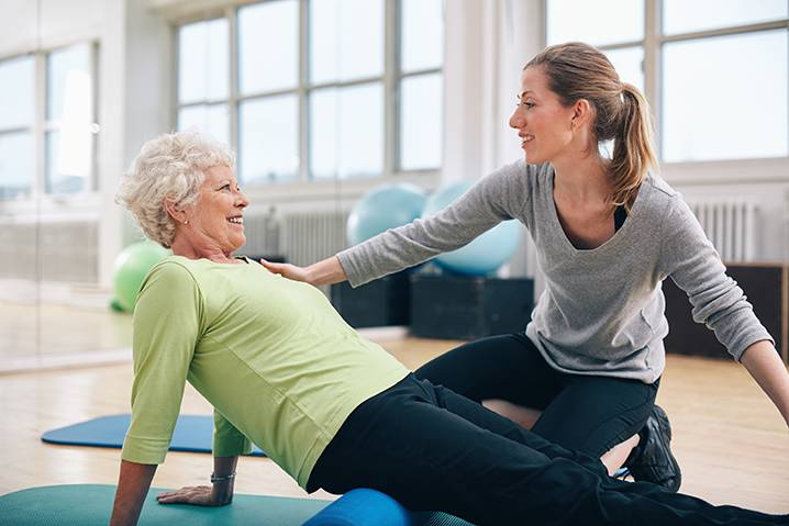 core fitness training for seniors in the UAE - uaepersonaltrainers