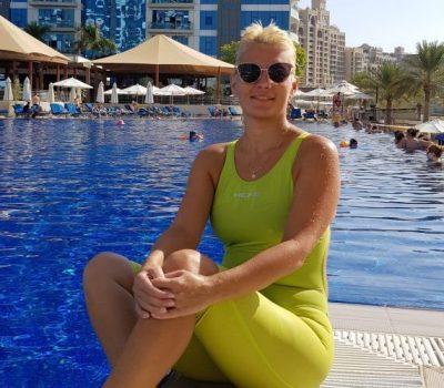 female swimming coach in dubai - alisa