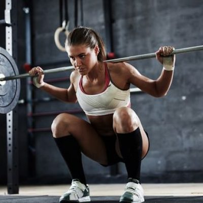 free weights or training machines in the UAE