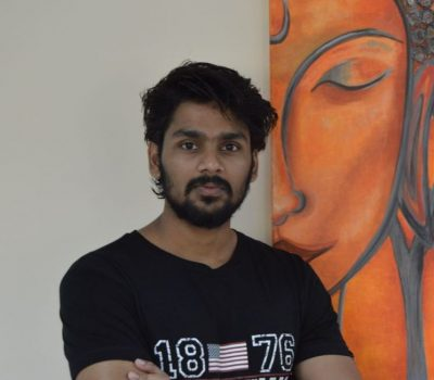 Manu - Male Yoga Coach In Dubai