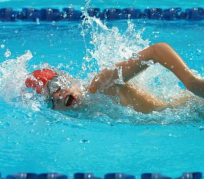 Swimming in Abu Dhabi to maintain a healthy weight